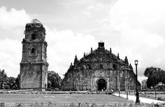 Paoay Church, Ilocos Ilocos, Old Churches, Barcelona Cathedral, Philippines, Beautiful Places, Island, Explore, Building, Travel