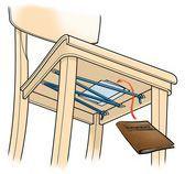 Verstopplek onder de stoel maken.