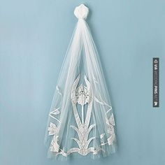 Cool! - Vintage | CHECK OUT MORE IDEAS AT WEDDINGPINS.NET | #weddings #veils #weddingveils #weddingfashion #weddingplanning #coolideas #events #forweddings #weddingheadwear #romance #beauty #planners #weddinghats #headwear #eventplanners #weddingdress #weddingcake #brides #grooms #weddinginvitations