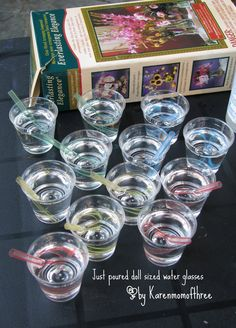 Today I am bringing you a craft I was really happy to make. Doll sized water glasses with straws! The best part is this doll water will. American Girl Food, American Girl House, American Girl Parties, American Girl Crafts, American Girl Clothes, Doll Crafts, Diy Doll, Ag Dolls, Girl Dolls