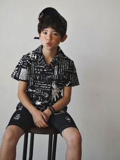 Spring Look For Kids Picture Description New Lipop products are available now. Lipop makes great streetwear looks for girls and some for boys. Boy Models, Child Models, Baby Boy Fashion, Kids Fashion, Cute Boys, Cool Kids, Ulzzang Kids, Best Photo Poses, Korean Babies