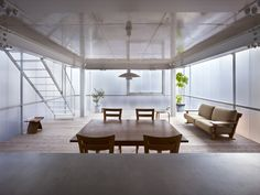 Suppose Design Office's House in Tousuienn has translucent plastic walls Japanese Architecture, Interior Architecture, Interior Design, Suppose Design Office, Glass House Design, Design Minimalista, Box Houses, Piece A Vivre, Japanese House