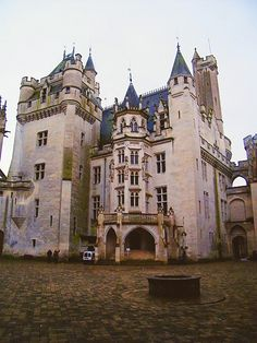 Pierrefonds! Going this summer, can't wait!