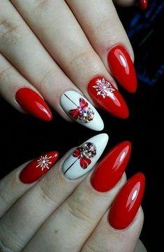 Winter nails with snowflake; red and white christmas nails; cute and unique christmas nails Xmas Nails, Holiday Nails, Red Nails, Red Christmas Nails, Nail Pink, Nail Art Mignon, Red And White Nails, Orange Nail, Nail Art Noel