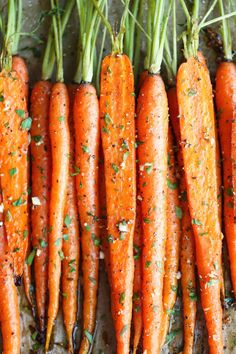 onefitmodel:do-not-touch-my-food:Garlic Roasted Carrots  Fucking yeah