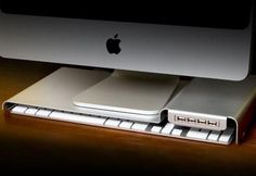 LowKey iMac USB Stand Keeps Your Keyboard Hidden http://coolpile.com/gear-magazine/lowkey-imac-usb-stand-keyboard-hidden/ via @CoolPile $65
