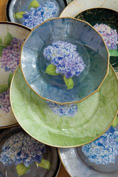 Diy Decoupage Plates, Decoupage Tutorial, Decoupage Ideas, Diy And Crafts, Arts And Crafts, Paper Crafts, Collage, Victoria Magazine, Do It Yourself Crafts