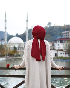 Image in Hijab 🧕 collection by on We Heart It Hijab Outfit, Hijab Dress, Hijabi Girl, Girl Hijab, Hijab Stile, Hijab Dpz, Modele Hijab, Hijab Collection, Islam Women