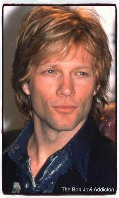 I wish that jon bon jovi was mine. Jon Bon Jovi, Bon Jovi Live, Hottest Male Celebrities, Celebs, Bon Jovi Pictures, Dorothea Hurley, Bon Jovi Always, Star Wars, Record Producer