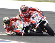 Crash Ducati Team ArgentinaGP