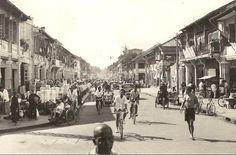 Phnom Penh 1 Century, Khmer Empire, Phnom Penh, Vietnam, Angkor Wat, Historical Pictures, Southeast Asia, Old Photos, Sculpture Art