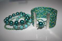 Beaded Bracelets, Jewelry, Fashion, Weaving, Moda, Jewlery, Jewerly, Fashion Styles, Pearl Bracelets
