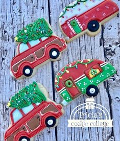 Christmas trailers and station wagon cookies hauling Christmas happiness. By Tricia's Cookie Cottage
