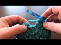Oodles4Noodles: Basic Chunky Newborn Beanie Video Tutorial Fantastic video for beanies!