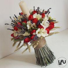 Lumanare botez frezii lalele grau lavanda - LB38 Diy Flowers, Flower Diy, Grapevine Wreath, Floral Design, Wreaths, Candles, Greenhouses, Contemporary, Artist