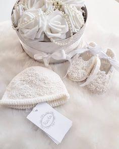 karlagirlofcloud#karlagirlofcloud #etsykids #baby #luxurykids #fashionkids #nordickids #newbornbaby #christening #baptism #christeningwear #babyboots #babybooties #babyknitwear #handmade #etsy #kidsclothes #babyfashion #babystyle #babyshower #antonijas26 #instaknit #madeinlatvia #babyknit #babygirl #knittingforbaby #balticdesign #latviandesign #babyshop #babyfashion #kidsfashion