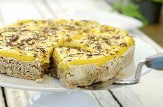 Nå har jeg funnet en helt idiotsikker måte å lage den gule kremen til… No Bake Snacks, No Bake Desserts, Cake Recipes, Dessert Recipes, Norwegian Food, Pudding Desserts, Let Them Eat Cake, No Bake Cake, Yummy Cakes