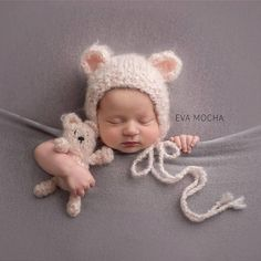 Newborn knit buddy bear set in mohair blend photo prop gift idea Fotoideen Baby Foto Newborn, Newborn Baby Photos, Baby Poses, Newborn Posing, Newborn Shoot, Newborn Baby Photography, Newborn Pictures, Baby Pictures, Newborn Photo Props
