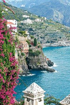 I remember vaguely the Amalfi Coast, someday I would love to return to admire its beauty