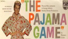 Sid Sorokin (John Raitt) e os empregados de uma fábrica de pijamas se revoltam depois que são obrigados a trabalharem mais para que seus salários