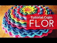 Tutorial Cojín Floreciente a Crochet - YouTube
