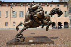 Il fascino della Capitale antica. A #Torino l'esposizione itinerante dello scultore Xu Hong Fei