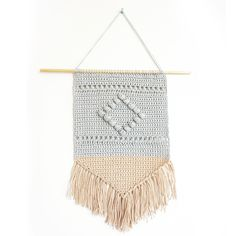This Boho Wall Hanging is all about texture which is why it utilizes a variety of stitches. Crochet Wall Art, Crochet Wall Hangings, Crochet Home, Cute Crochet, Easy Crochet, Crochet Stitches, Crochet Patterns, Crochet Ideas, Crochet Garland