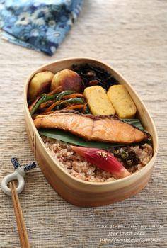 Grilled Salmon Bento 鮭弁当、鮭を綺麗に焼く