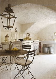 Hello Lovely - Inspiration for Interiors - Rustic French Country kitchen. European Farmhouse and French Country Decorating Style Photos. French Country Living Room, Country Kitchen, French Kitchen, Rustic Kitchen, French Decor, French Country Decorating, Rustic French, Country French, Modern Country