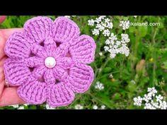 Easy Crochet Flower Tutorial – Learn To Crochet – Christina - Decoration Crochet Flower Tutorial, Crochet Flower Patterns, Crochet Flowers, Crochet Leaves, Learn To Crochet, Easy Crochet, Thread Crochet, Crochet Hooks, Simple Flowers