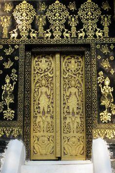 Delicately Elaborate Black And Gold Door - I Think Thai But Maybe on Best Door Photos Collection 598 Luang Prabang, Grand Entrance, Entrance Doors, Doorway, Cool Doors, Unique Doors, Door Knockers, Door Knobs, Gold Door
