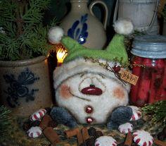 "Primitive Patti's Ratties 5"" Fuzzy Snowman Doll Snowflake Frosty Christmas Bear"