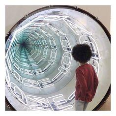 #infinity #weekendvibes #lategram #armoryshow #2016 #newyork #ivannavarro #art… Interactive Exhibition, Interactive Installation, Exhibition Space, Light Installation, Led Mirror, Mirror Art, Infinite Mirror, Chillout Zone, Photowall Ideas