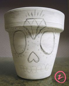 Sincerely rozy: Designing it Monday: Sugar Skull Planter Flower Pot People, Clay Pot People, Flower Pot Crafts, Clay Pot Crafts, Painted Flower Pots, Painted Pots, Skull Planter, Skull Crafts, Pot Jardin
