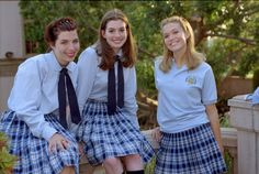 Still of Heather Matarazzo, Anne Hathaway and Mandy Moore in The Princess Diaries