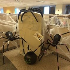 Scary Halloween Spiders At Office From Getitcut.com Halloween Cubicle,  Halloween 2015, Scary