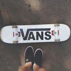 I love Vans! I have black & white ones. Love the skateboard too! Skate Vans, Vans Skateboard, Skateboard Deck Art, Skateboard Design, Cool Skateboards, Skateboards For Girls, Electric Skateboard, Moda Skate, Galactik Football