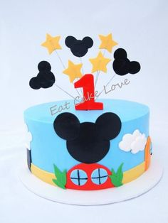Mickey Mouse Clubhouse Cake Bolo Do Mickey Mouse, Mickey And Minnie Cake, Mickey Mouse Birthday Cake, Mickey Mouse Clubhouse Birthday Party, Mickey Cakes, 2 Birthday Cake, Minnie Mouse Cake, Mickey Party, Pastel Mickey