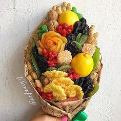 New fruit bouquet diy ideas flower ideas Food Bouquet, Flower Bouquet Diy, Flower Diy, Flower Ideas, Fruit Flower Basket, Fruit Flowers, Vegetable Bouquet, Birthday Sweets, Edible Bouquets