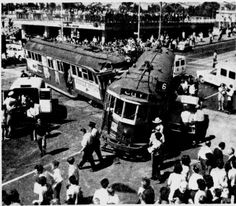 Trams crashing used to bring out the crowds, must have been a spectator sport in Melbourne. Melbourne Tram, Melbourne Suburbs, Melbourne Australia, Melbourne Victoria, Victoria Australia, Victorian History, Australian Continent, World Images, New City