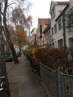 Lübeck, Weiter Lohberg - Erstmals urkundlich erwähnt wird die Straße 1302. Der etwa 170 Meter lange Weite Lohberg befindet sich im Nordosten der Altstadtinsel, im Jakobi Quartier.
