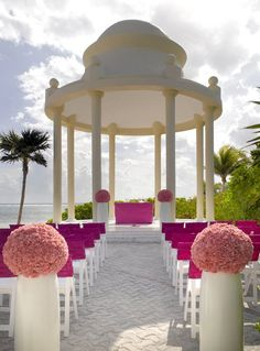 Simply Fabulous… Karen Bussen's Simple Stunning Signature Wedding at Palladium Resorts is for the bride with vision who simply must have it her way.