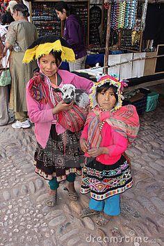 Niños peruanos Imagen de archivo editorial