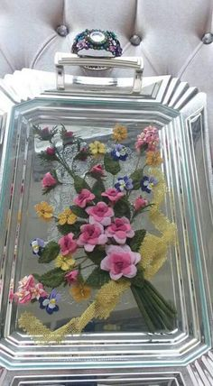 I Tray, Flowers, Home Decor, Stained Glass, Floral Arrangements, Trays, Interior Design, Royal Icing Flowers, Home Interior Design