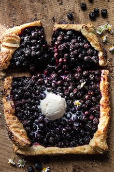 sweetoothgirl: blueberry chamomile galette - January 27 2019 at - and Inspiration - Plant-based - Vegan Recipes And Delicious Nutritious Meals - Vegatarian Weighloss Motivation - Healthy Lifestyle Choices Tart Recipes, Sweet Recipes, Baking Recipes, Dessert Recipes, Vegan Recipes, Just Desserts, Delicious Desserts, Yummy Food, Blueberry Desserts