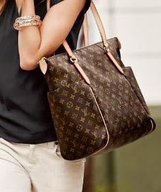 2e822cd56c65 Louis Vuitton Handbags Hot Sale For People With High Quality And Fast  Delivery Here