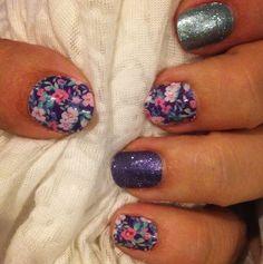 Flowers and Sparkles Manicure #DitsyFloralJN #BarelyBlueJN #LavenderSparkleJN