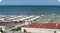 Los balnearios ocupando las playas