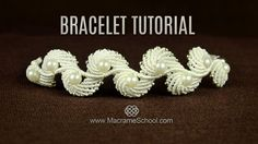 Macramé Seashell Bracelet Tutorial in Vintage Style. Perfect for wedding, party and daily wear accessory. Macrame Jewelry Tutorial, Macrame Bracelet Patterns, Macrame Necklace, Macrame Patterns, Macrame Bracelets, Loom Bracelets, Bracelet Knots, Bracelet Crafts, Flower Bracelet