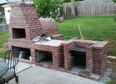 Wood Fired Brick Pizza Oven and Brick BBQ Grill Brick Oven Outdoor, Outdoor Bbq Kitchen, Pizza Oven Outdoor, Backyard Kitchen, Brick Built Bbq, Brick Grill, Barbeque Design, Bbq Wood, Wood Oven